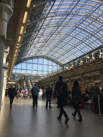 LONDON❤ St. Pancras Station Large Group Of People Architecture Travel Railroad Station Indoors  Built Structure Travel Destinations Transportation Building - Type Of Building Lifestyles Men Railroad Station Platform Public Transportation Leisure Activity Women Real People Modern Day City Crowd People Iphone6