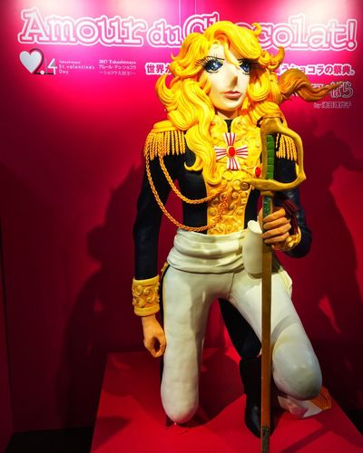 This is a chocolate.😳💦 Roses Of Versailles ベルサイユの薔薇 Chocolate Hello World Chocolate Statue Statue Valentine's Chocolate
