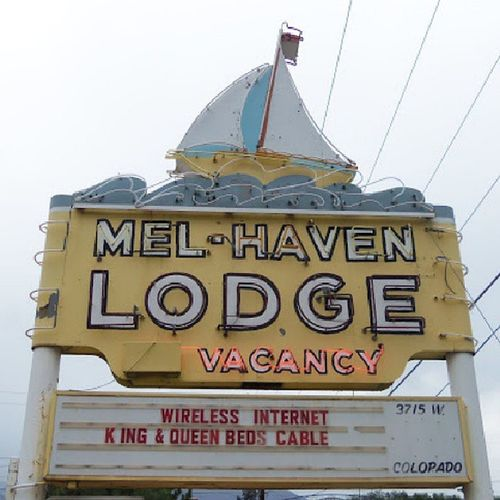 Mel Haven MelHaven Motel Lodge MabitouSprings Manitou Colorado neon neonSign old_neon signage streetalma street almaproject sailboat boat photooftheday picoftheday