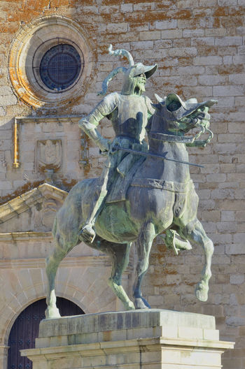 Cáceres Pizarro SPAIN Statue Trujillo Architecture Art And Craft Building Exterior Built Structure City Craft Creativity Day History Horse Human Representation Male Likeness Memorial No People Representation Sculpture Statue The Past Travel Destinations