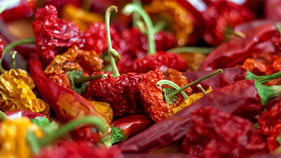 Red Hot Chili Peppers Chili Pepper Hot Red Hot Chili Peppers Close-up Day Dried Food Food And Drink Freshness Habanero Healthy Eating Indoors  No People Ready-to-eat Red Spices EyeEmNewHere Visual Creativity