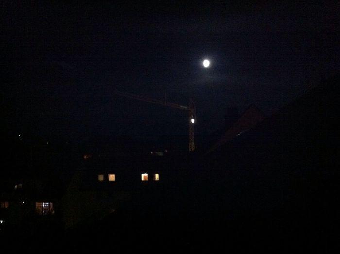 Ich liebe es wenn man den mond richtig gut im hinmel sehen kann :) Mondpicture2