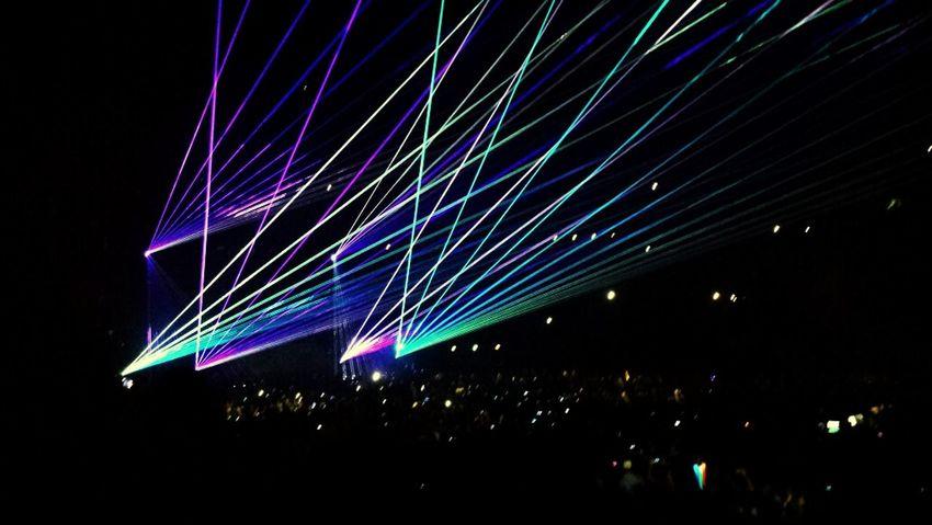 Avicii Lights AddictedToYou Paris