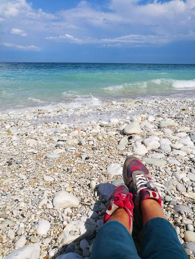 io & il mare Spiaggia🐚 Contemplazione Colorized Solitudini Quadronatural Decadenza Colorata Low Section Water Sea Beach Sand Human Leg Standing Relaxation Sky Horizon Over Water Personal Perspective Turquoise Colored Footwear Coastline Wooden Floor