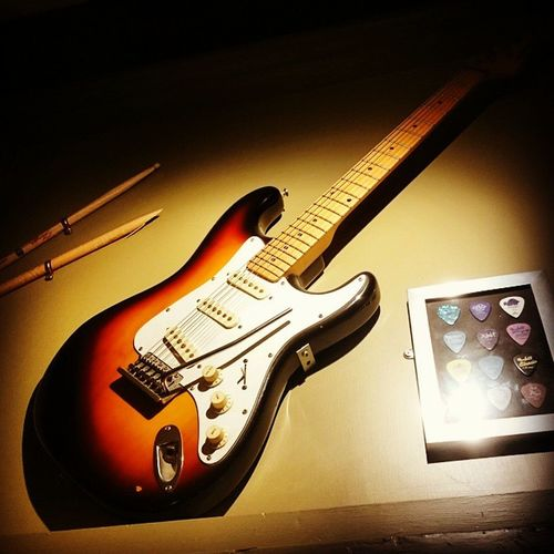 A Fender ElectricGuitar at the RedLion Pub Stevenage Guitar Decor