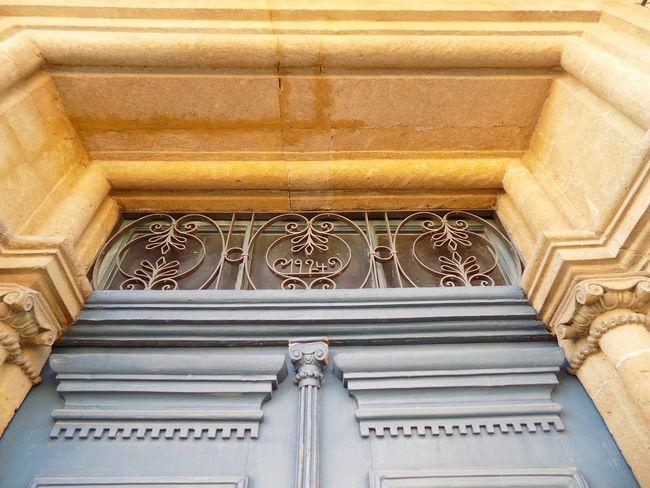 Glass Shapes Decoration Door Vintage Old EyeEm Selects City Place Of Worship Pattern Ornate History Carving - Craft Product Architecture Close-up Built Structure Architectural Feature Palace Historic Calligraphy Decorative Art Royalty Arch Floral Pattern Archway Civilization Pavilion Past Carving Mosaic