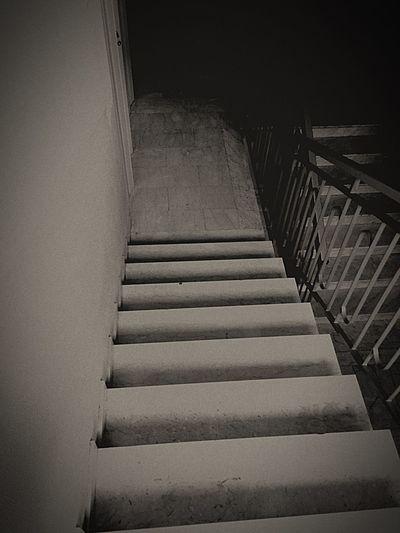 Stairs Dark Down Buio
