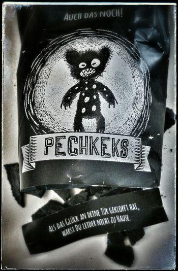 heute meinen ersten Pechkeks probiert... und: ich lebe noch Cookies The Devil's In The Detail Badtaste Supernormal