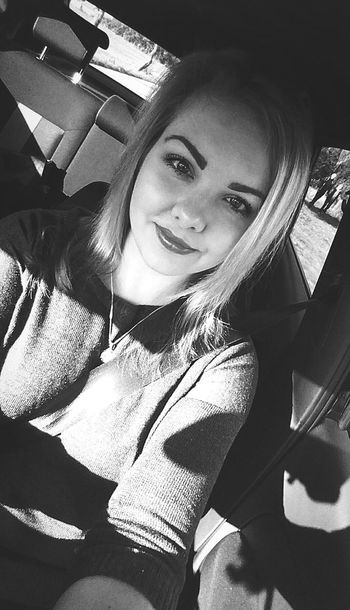 time for some black'n'wihte. 😎😜 Portrait Car Smiling Beauty Young Adult Eye4photography  Blackandwhite Monochrome Hello World Enjoyinglife  On Tour Sundays Suninmyface Autumn Selfie ✌ Focus On Foreground ThatsMe Taking Photos Weekendvibes Check This Out 1k Followers Makeup Blonde Hair Girl Happy