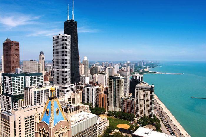 My beautiful home! Chicago Cityscapes EyeEm Best Shots Open Edit Sky Architecture Urban Landscape Skyline Hello World Enjoying Life Market Bestsellers April 2016 Bestsellers