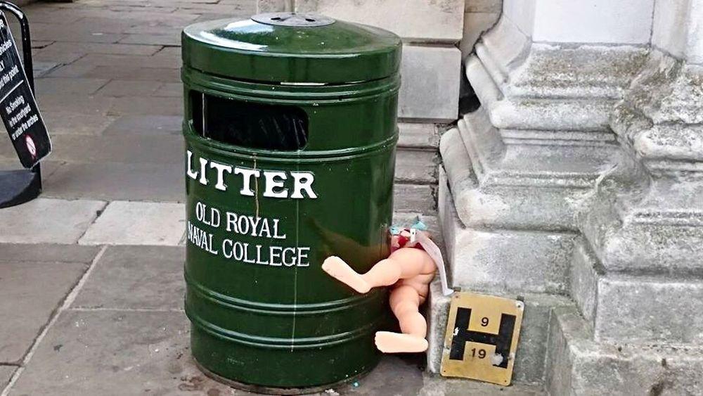 Hide and seek Greenwich Royal Naval College Dolls Garbage Bin