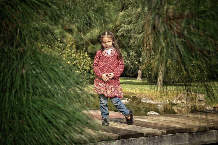 Child Water One Person Nature Outdoors Childhood Freshness Day Niñosfelices Niñosjugando Niños En El Parque
