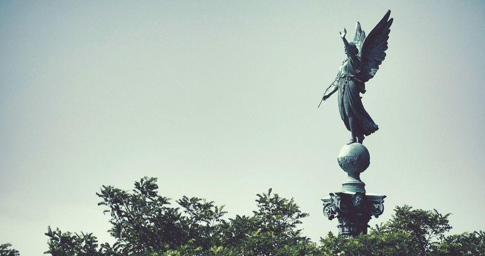 Simple Statue
