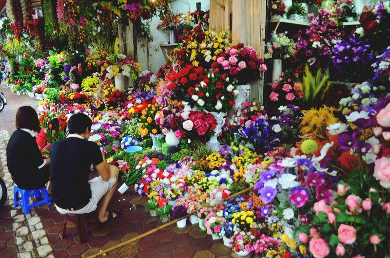 A flower shop in Hanoi Vietnam Flowers Couple Hanoi Vietnam Backpacking