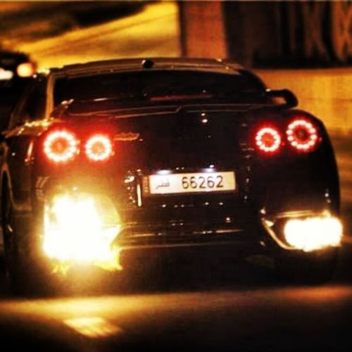 Nissan GTR Taking Photos Hanging Out PLZZZZZ DO....