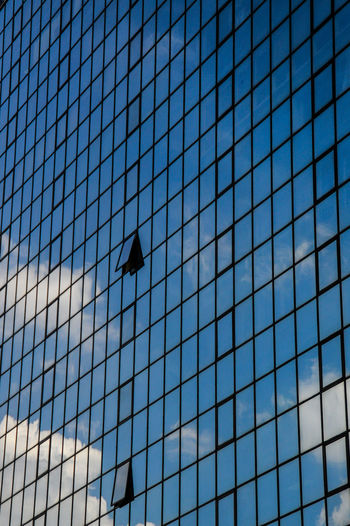 -Bangkok Urban Jungle-Break In The Pattern Architecture City Clear Sky Building Exterior Building Windows Skyscraper Urban Photography Thailand Bangkok City Eyeem Philippines Lines, Shapes And Curves Pattern, Texture, Shape And Form Ultra Modern Architecture Office Building Exterior Building Reflecting The Clouds Business Finance And Industry Architecture Copy Space Minimalist Architecture Minimalism Full Frame Backgrounds Welcome To Black Building Reflections EyeEm Diversity The Secret Spaces ミーノー!! Colour Your Horizn