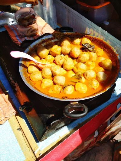 Spicy Meatballs on Indonesian Street Food Meatballs Meatball Streetfood StreetFoodMarket INDONESIA Spicy Food Hot Foods Appetizer Preparation  Snack Close-up Food And Drink Frying Pan