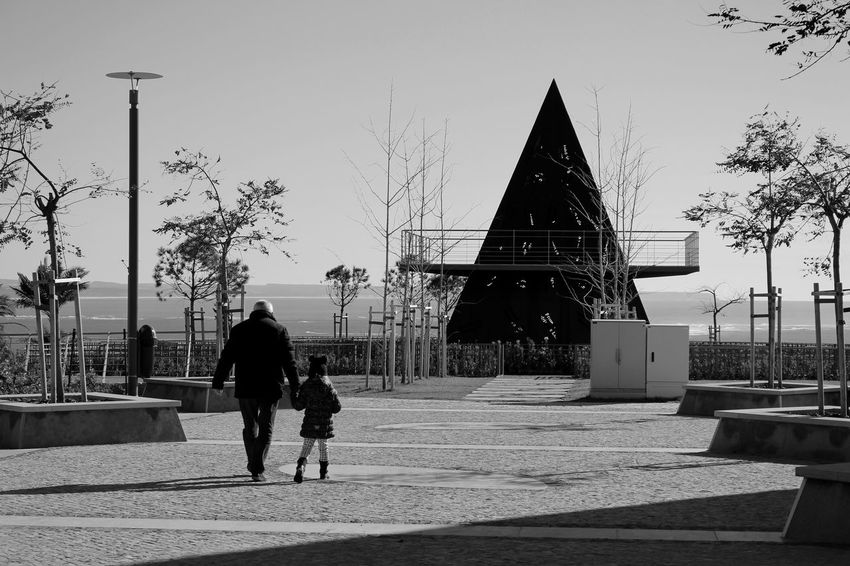 Grandfather & Granddaughter At The Park Piramid Sky And Clouds Metal Structure EyeEm Nature Lover Eye4black&white  Bnw EyeEmbestshots EyeEmBestPics Black & White Eye4blackandwhite EyeEm Black And White Blackandwhite EyeEm Bnw Eye4photography  Eyeemphotography Urban Landscape Arquitecture_bw Greenery Taking Photos at Parque Dos Poetas Portugal Showcase: January