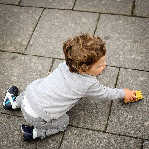"Around the cops and thousands of passers-by. A hundred meters mausoleum, next to ""willingly ranks."" And your feet carefree child is living his childhood. Вокруг менты и тысячи прохожих. В ста метрах мавзолей, рядом ""Охотные ряды"". А в твоих ногах беззаботный ребенок проживает своё детство. Instachild Instachildren Instakids Instakid Kid Kids Kidsfashion Happykid Child Childhood Children Childrenphoto Thechildrenoftheworld Redsquare ребенок малыш такяснимаю Beautiful Follow Picoftheday Moscow Walk Walking инстаграмнедели Webstapick stepabugram instagood instadaily instalike instagram"