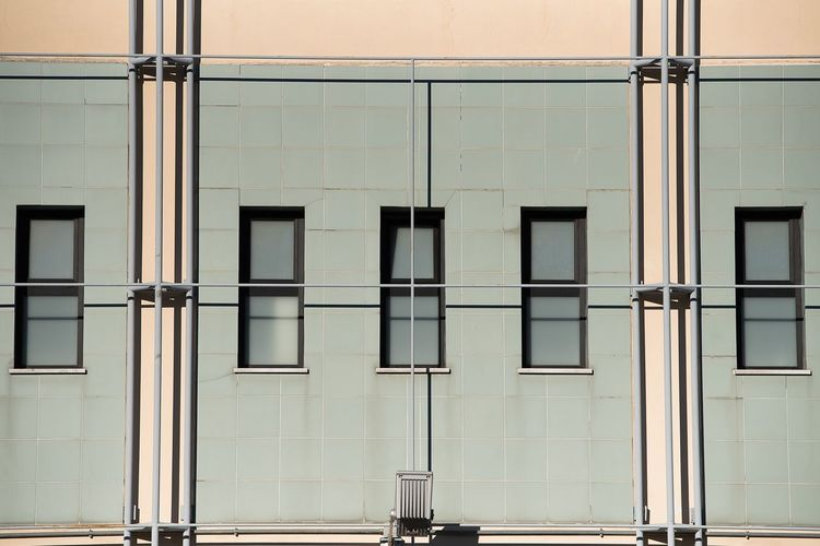 Geometrie Architecture Window Built Structure Building Exterior No People Door Outdoors Day Full Frame