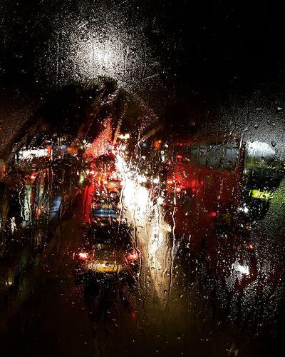 London Traffic Lights LONDON❤ Transportation RainDrop Rainy Season Wet Car Drop Rain Weather Night EyeEmNewHere EyeEmNewHere