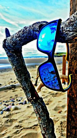 Beach Hanging Sand Blue Focus On Foreground Llangennith Gower Peninsular South Wales Gowerpeninsula Gower Coast Reflection Reflections In The Glass