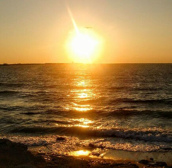 И снова закат над морем Sunset Sunlight Sea Sun Reflection Beauty In Nature Water Nature Horizon Over Water Summer Beach No People ЧерноморскаяРивьера Vacations Markushkinaanush вечеруморя
