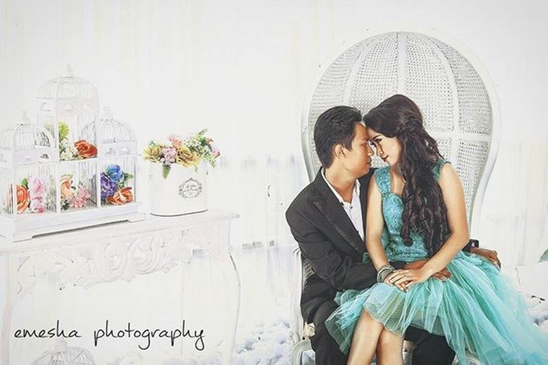 A priceless moment is when the person that you have fallen in love with, looks you right in the eyes to tell you that they have fallen in love with you. Canon 5dmk2 Lens 50mm14 50mm Beautiful Beauty Girl Women Mood Smile Preweedingindonesia Curve Shape Preweddingphoto Cute INDONESIA Quotes Instamood Prewedding Igwp Weddingphotographer Weddingsurabaya Weddingmurah Studioadventure