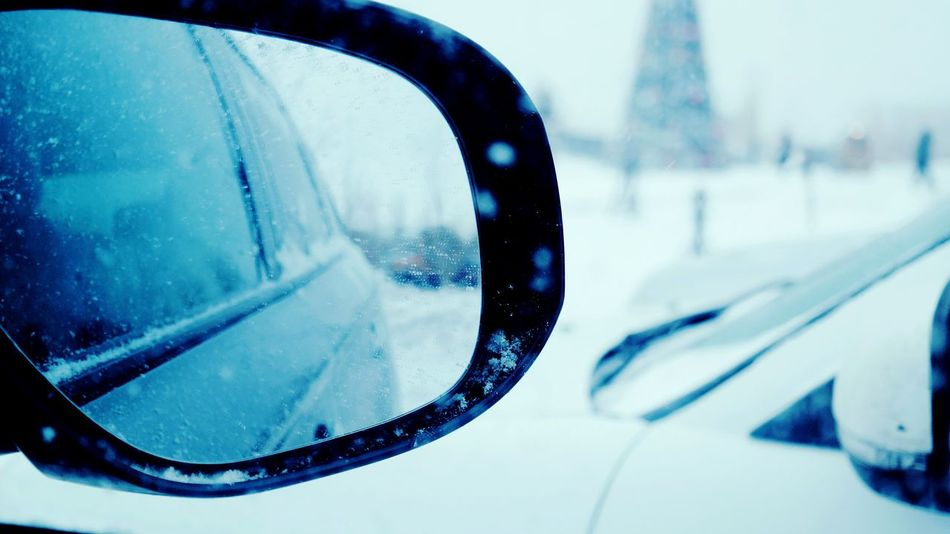 Winter Holiday MeinAutomoment Photography Car Mirror Winter Focus On Subject Winter Photography EyeEm Gallery Snowflakes