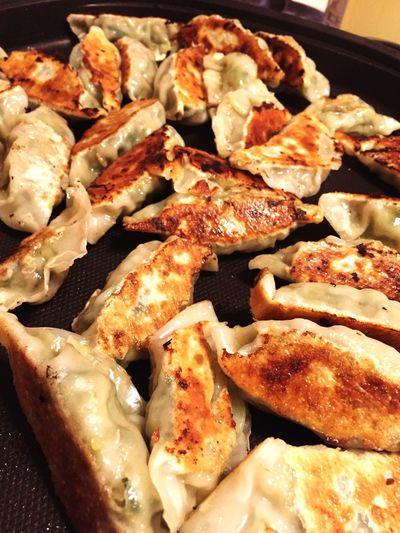 今日は家族で黙々と餃子を作って、餃子パーティでした。食べ過ぎた。w Gyoza 餃子 Food Dinner Hot Plate