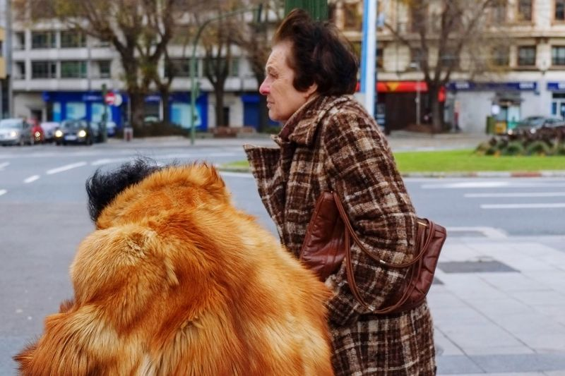 Old women Fashion Old Woman Oldwomen Women Street Outdoors Real People City Adult Warm Clothing People Fashion Stories EyeEmNewHere Shades Of Winter