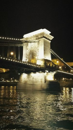 Budapest chainbridge which connects Buda to pest Budapest Hungary