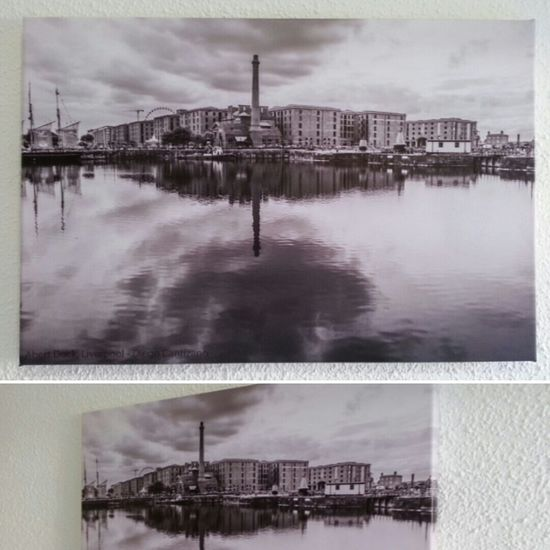 I sell this photographic canvas of Albert Dock, Liverpool (United Kingdom) for €49 (shipping costs not included). The photo was taken by me in 2014. Tha canvas has a size of 40x60 cm and 2 cm of frame. If you want to buy it, contact me by email to: livingandphotographing@gmail.com Canvas Lienzo Liverpool United Kingdom England Great Britain Inglaterra Gran Bretaña Reino Unido Selling