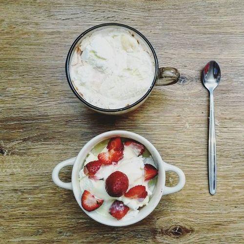 Не многое радует так, как сладости от любимой! ❤🍨☕ -А что радует вас?- улыбкажизнь 🍓G2youth Morning Love Lifeingdb Sweet Strawberry Dessert