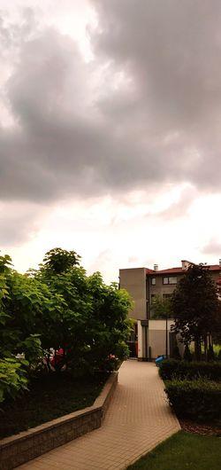 Supermarket Sky Cloud - Sky Built Structure Entryway Storm Cloud Dramatic Sky Cumulonimbus