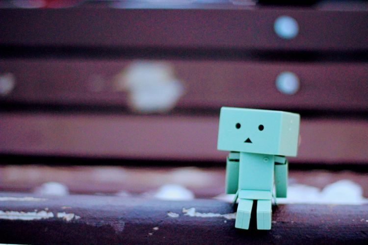 Find a park and relax. Close-up Danboard Danboru Danboards Bench Winter Cold Snow January EyeEmNewHere Lifestyles Chilling ✌ Love ♥ Hello World Danboardmini Chilling Relaxing The Week On Eyem EyeEm BYOPaper! The Street Photographer - 2017 EyeEm Awards