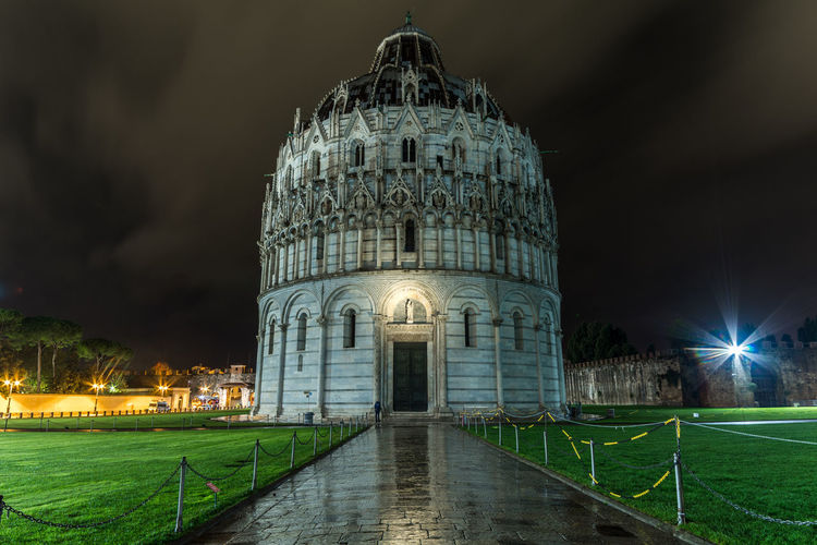 Night Architecture Dome Travel Destinations Built Structure Illuminated Outdoors Building Exterior Sky Tuscany Italy Tuscany Lovely Place Pisa Pisa Italy Photography No People City