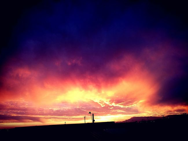 Silhouette Sunset Tranquil Scene Outdoors Sky Dramatic Sky Nature Scenics City Life Chile The Best Pic No People A Simple Day ! Cloud - Sky The Best Beauty In Nature