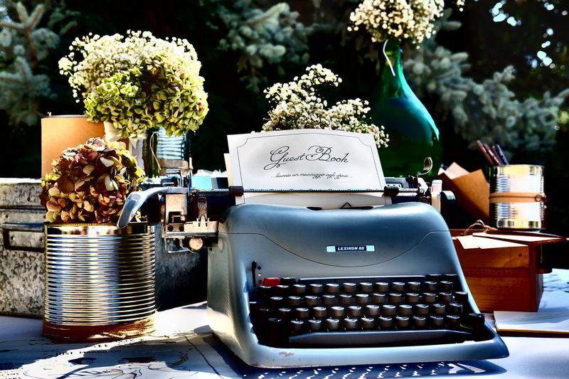 50's Style wedding day Oldtypewriter