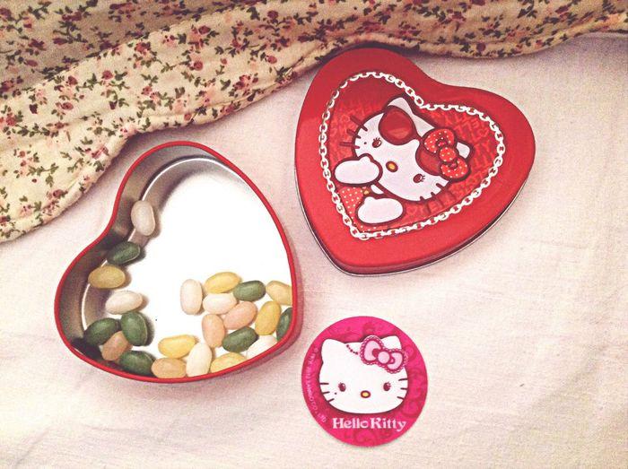 милости люблю Hallo Kitty :3
