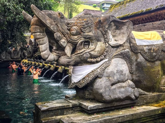 Tirta empul - bali indonesia Ubud Indonesia Photography  Photography INDONESIA Bali, Indonesia Bali Holywater  Tirtaempul  Tirta Empul Tirta Empul Temple Water No People Day Sunlight Nature High Angle View Creativity Built Structure Architecture EyeEmNewHere