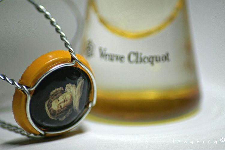 Addiction Champagne Lover Minimalism Learn & Shoot: Simplicity Macro Photography Nikon Showcase: December Veuve Clicquot