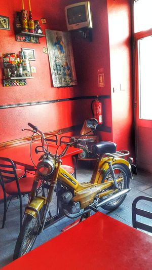 Yellow Motor Motorcycle Classic Vintage Foto Fotography Light 40years Zündapp Germany Portugal Tv Table Vision