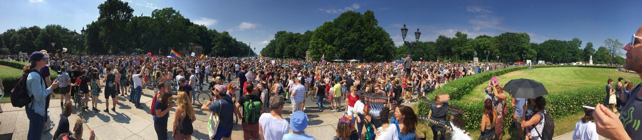 AFD Wegbassen! Berlin Club Culture Democracy Adult Afd Arts Culture And Entertainment Cloud - Sky Club Crowd Day Demonstration Demonstrators Event Group Of People Large Group Of People Music Festival Nature Outdoors Panoramic Parade Plant Queer Real People Sky Tree