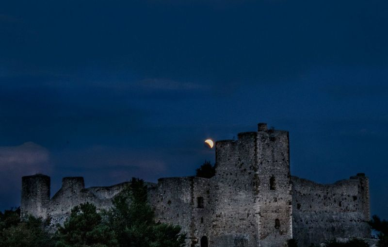 Eclipse of the century in Rome. Eclipse Eclissi Roma Rome Italy Italy Landscape Night Nightphotography Moon Moonlight Moon Shots War News Event Castle History Fort Military Prison Moon Fame Sky Canon Fortified Wall Archaeology Ancient Rome Fortress Medieval Old Ruin The Great Outdoors - 2018 EyeEm Awards The Traveler - 2018 EyeEm Awards
