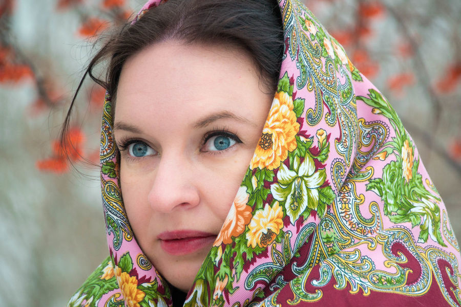 Portrait One Person Only Women Beauty One Woman Only Beautiful Woman Adult Headshot People Beautiful People Estilo Ruso Russian Style Chica Rusa Mujer Rusa Winter Guapa Russian Woman Russian Girl Scarf Pañuelo Retrato Young Women Beautiful Young Adult Russia