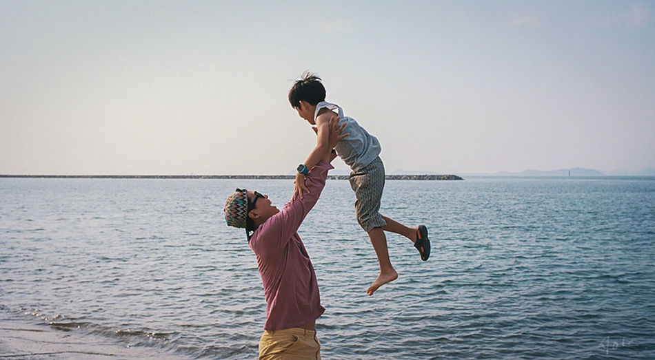 happy time. LeicaM7 Alacarte Children Photography Daddy❤ Seaside