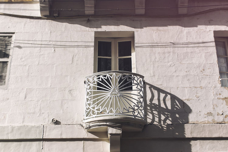 Architectural Feature Architecture Balcony Birgu Building Building Exterior City Day EyeEm Best Edits EyeEm Best Shots EyeEm Gallery Malta No People Outdoors Railing Residential Building Residential Structure Sunlight Window