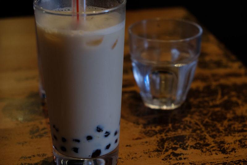京都の微風台南にて Close-up Drink Drinking Glass Food And Drink Fujifilm FUJIFILM X-T2 Fujifilm_xseries Refreshment Table Travel X-t2 微風台南 珍珠奶茶