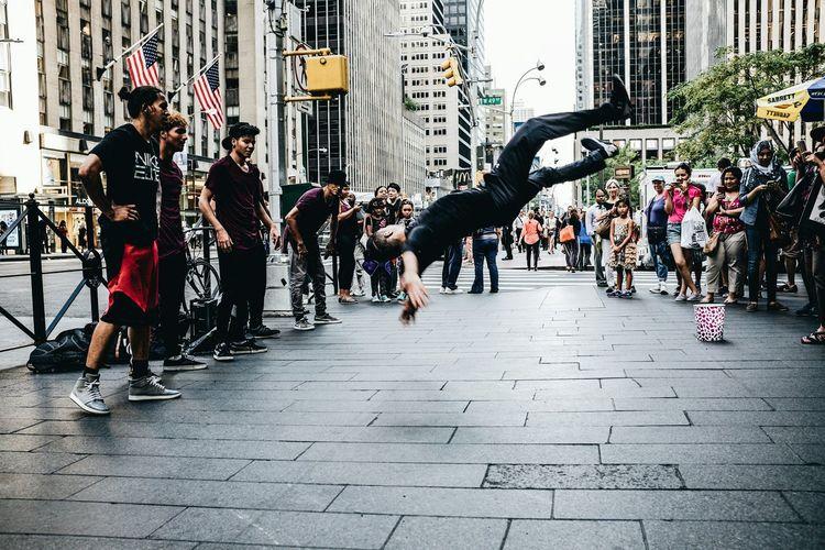 Breakdancing Streetphotography Grittystreets Manhattan Newyork Followme Enjoying Life Newyorkcity Travel NYC Myfavoritephoto The Street Photographer - 2018 EyeEm Awards